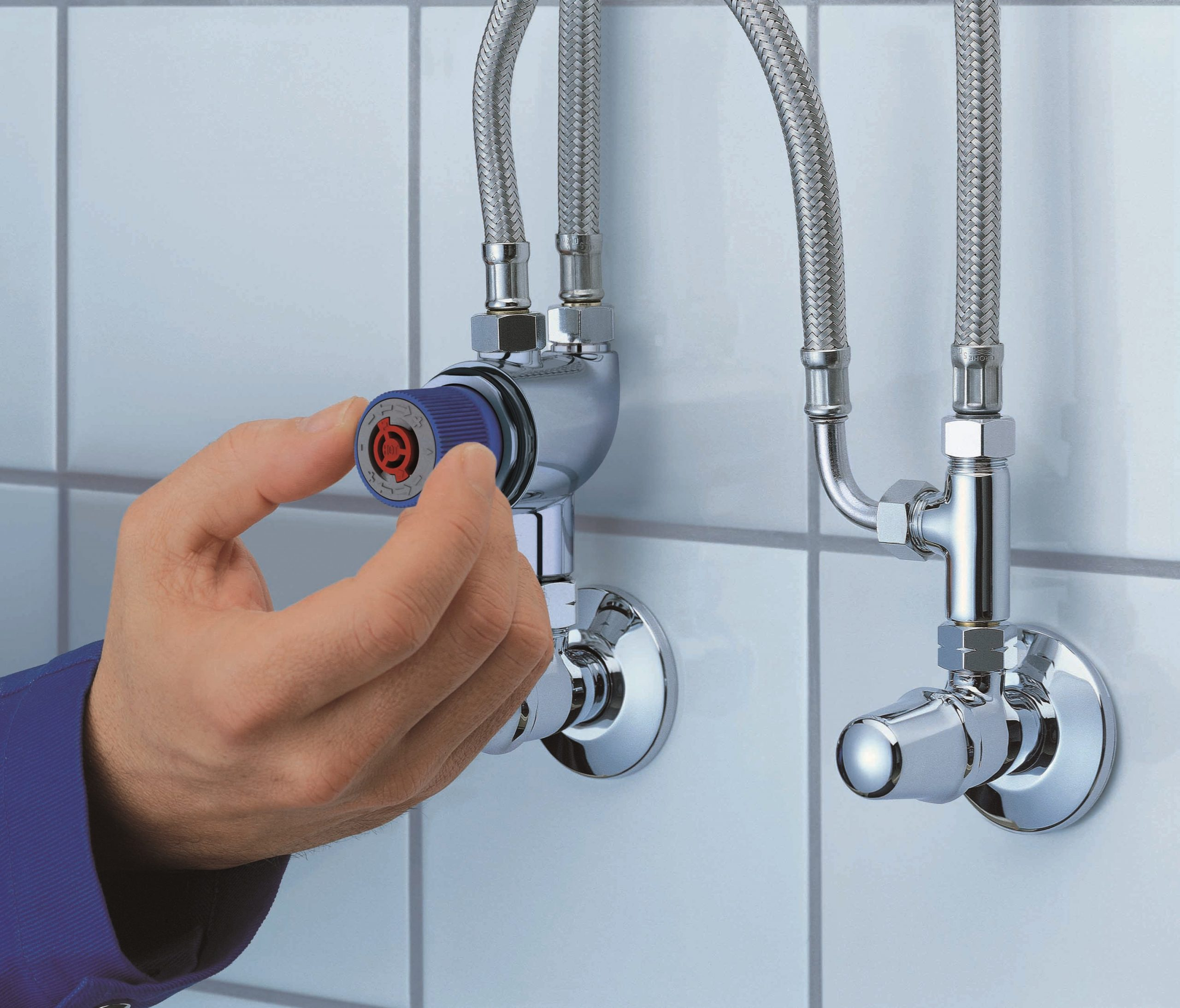 How to have regulated hot water in our bathrooms